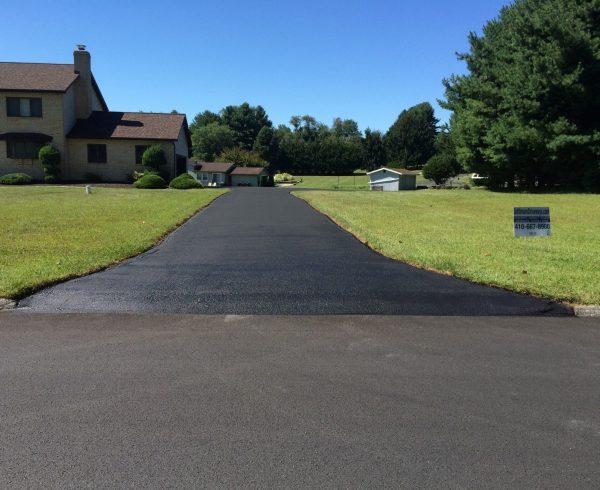 asphalt driveway contractor in phoenix - F&M Contractors